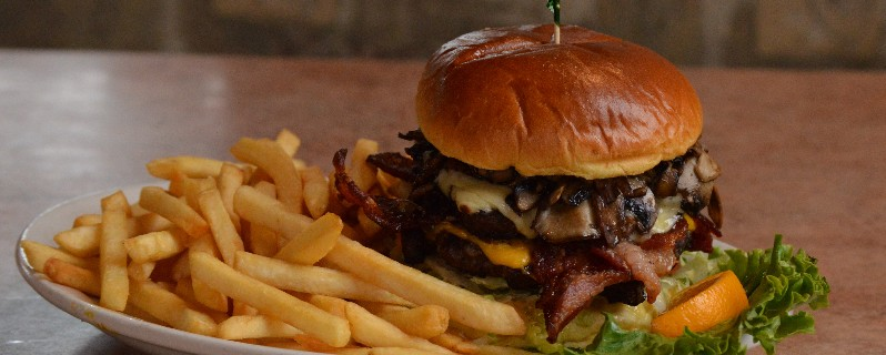 6 Best Burger Joints In Bombay For Those On A Budget!